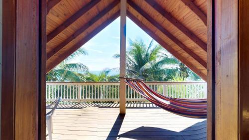 Island Breeze Villa, West Bay