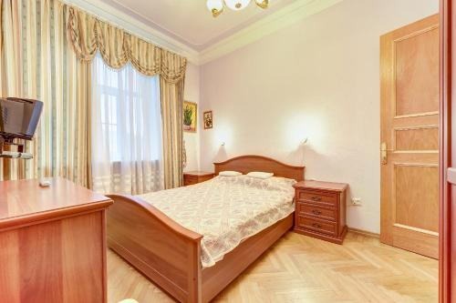 Apartament cu 3 dormitoare (Three-Bedroom Apartment)