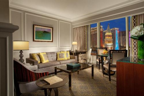 Macao Winter Escape Package - Bella Deluxe Cotai View Suite (Minimum 3 Nights)