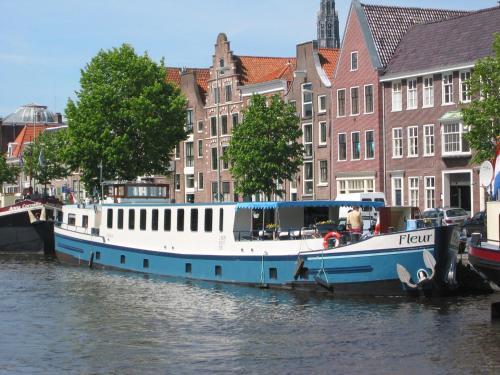 Отель Hotelboat Fleur 0 звёзд Нидерланды