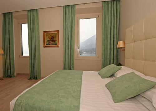 Classic Double or Twin Room  with Lake View