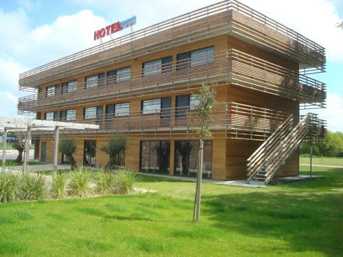 Отель Inter-Hotel Anaiade 2 звезды Франция