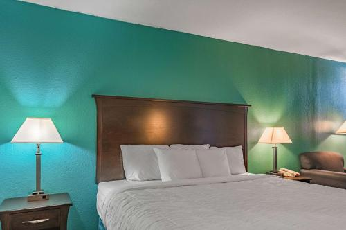 Southern Lodging Hotel