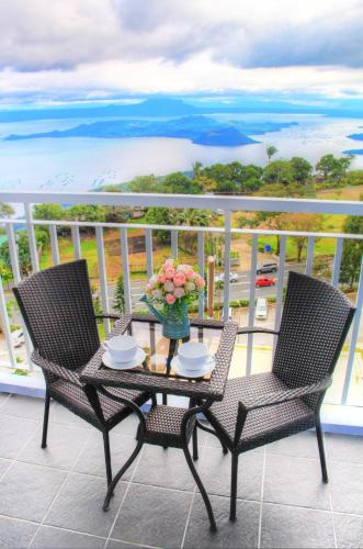 Taal View Room Tagaytay Staycation with WIFI