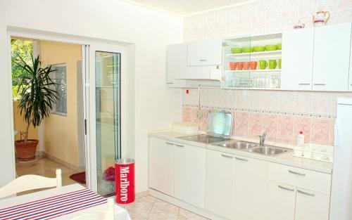 Apartment Zivogosce - Porat 2733a