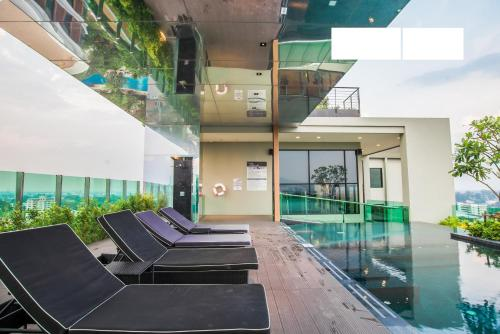The Astra Condo By Favstay