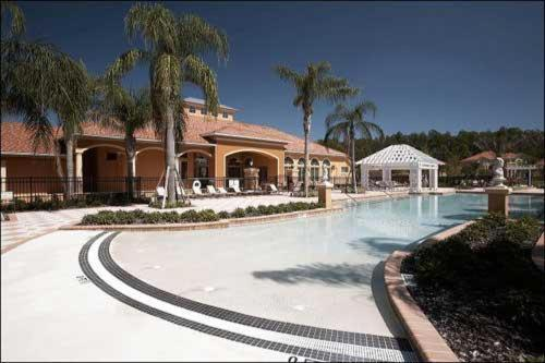 Photo of Bellavida Resort Hotel Bed and Breakfast Accommodation in Kissimmee Florida