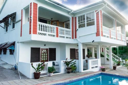Cleopatra Villas - Large 7-Bed, Rodney Bay Village