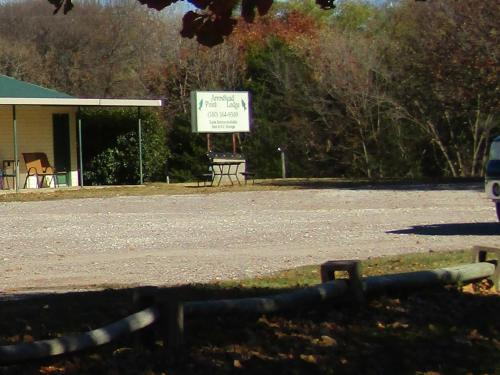 Arrowhead Point Lodge