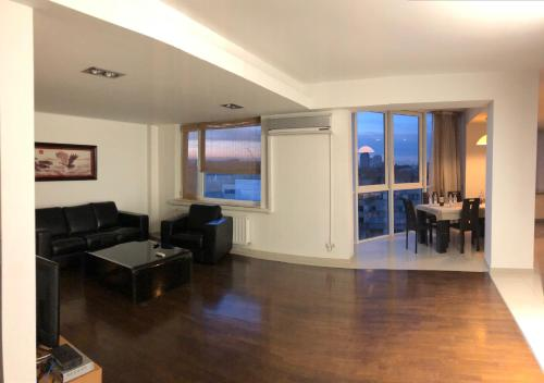 Luxury apartment with a great view in the Center, Chişinău