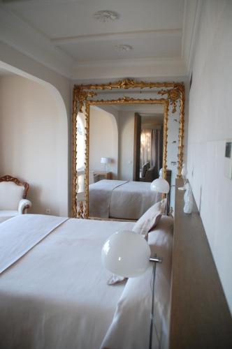 One-Bedroom Suite Hotel Villa Italia 4