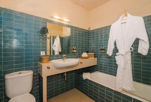Classic Double Room Sant Joan de Binissaida 4