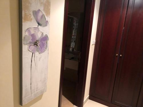 Shared Room at Royal Breez, stuning View, with own bathroom, swimming pool, Ras al Khaimah