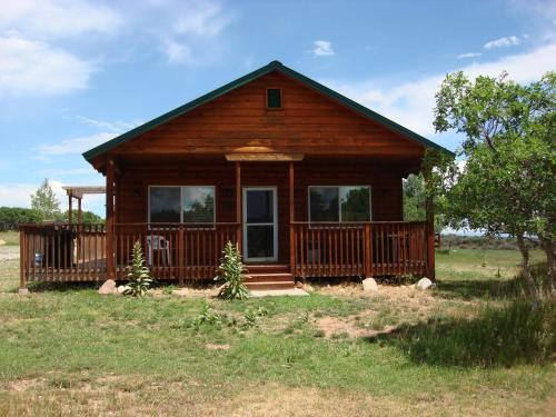 Retreat Lodge & Cabins@Mt. Peale Animal Sanctuary and Healing Center