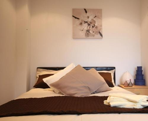 Photo of City Central Aparts Hotel Bed and Breakfast Accommodation in Camden London