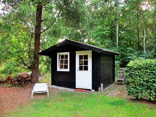 Three-Bedroom Holiday home in Roslev 2