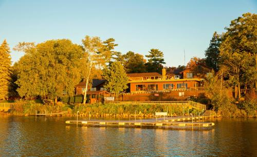 Ruttger`s Bay Lake Lodge
