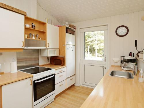 Three-Bedroom Holiday home in Thyholm 6