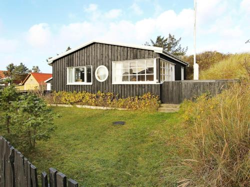 Three-Bedroom Holiday home in Blokhus 23, Blokhus