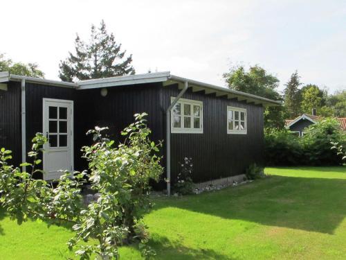Two-Bedroom Holiday home in Væggerløse 29