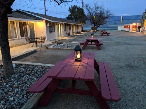 Lakeview Motel
