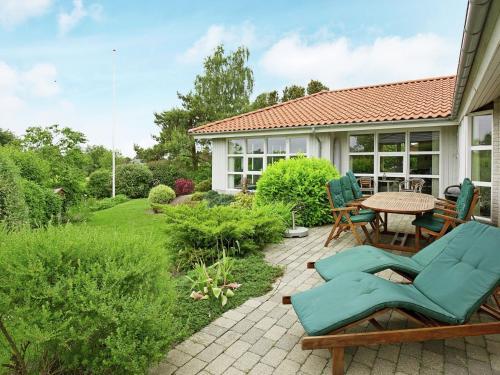Four-Bedroom Holiday home in Skælskør