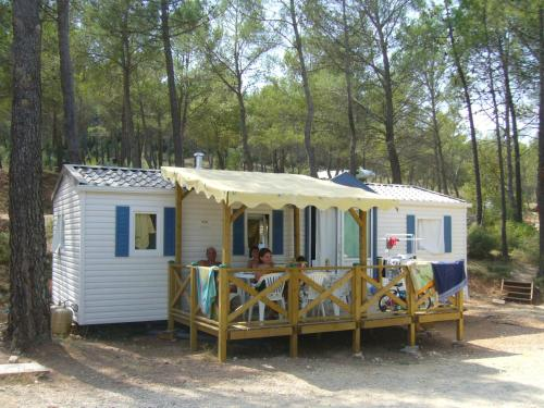 Premium Mobile Home (6 Adults)