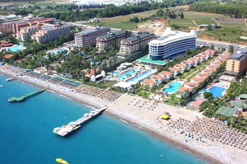 Q premium resort hotel ultra all inclusive okurcalar for Mediterranean all inclusive resorts