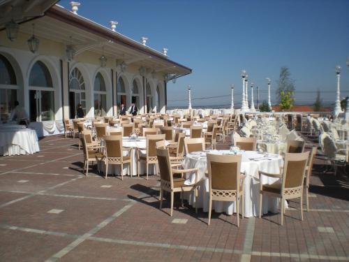 Grand Hotel Italia Sala Foyer : Grand hotel italia cluj romania overview priceline