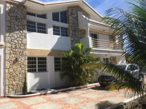 La perle des Antilles, Port-au-Prince