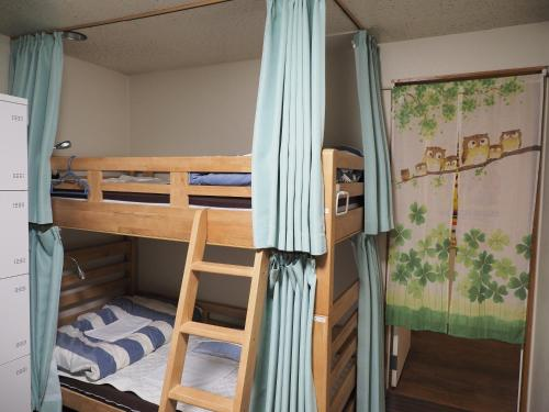 2 Beds in 6-Bed Mixed Dormitory Room