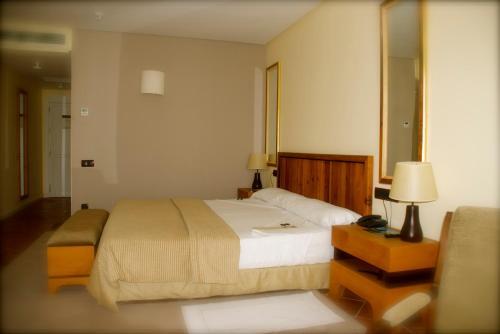 Habitación Doble con vistas a la ciudad - 1 o 2 camas - Uso individual Hotel Cigarral el Bosque 4