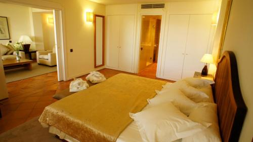 Suite Hotel Cigarral el Bosque 4
