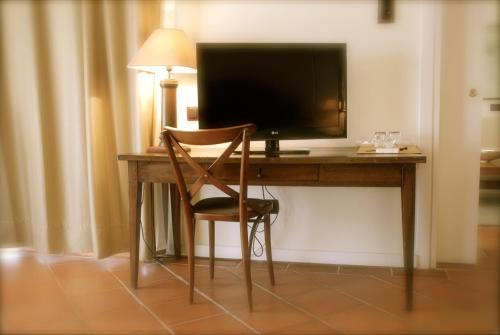 Suite Hotel Cigarral el Bosque 6