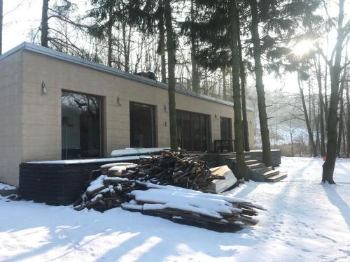 Dom nad Jeziorem Gwiazda, Wójcin