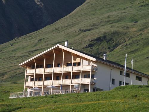 Berghotel Turtschi, Am Bach