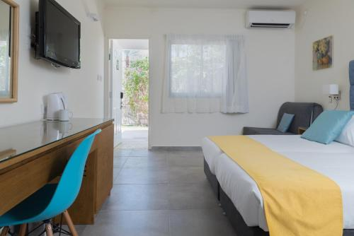 Double or Twin Room with Garden View (2 Adults + 1 Child)