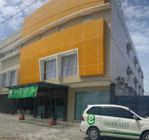 More about Emerald hotel