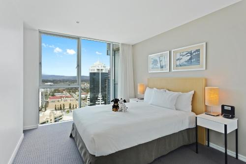 Two-Bedroom, two bathroom level 21 ocean view