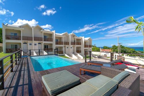 Family Complex beside Beach w/Pool Montego Bay #1, 蒙特哥贝