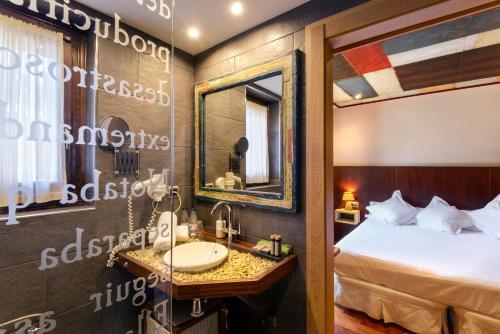 Standard Double Room with View Hotel La Casueña 4