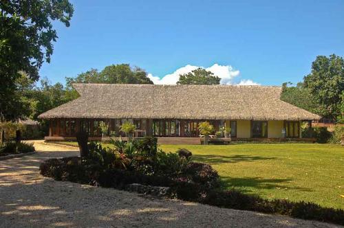 Vanuatu Uncharted Fishing Club Resort, Pangona