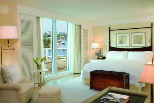 Quarto King com Vista Intercosteira (King Room with Intracoastal View)
