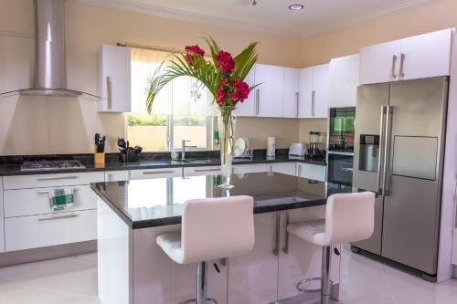 Mount Royal Luxury Condos, Castries