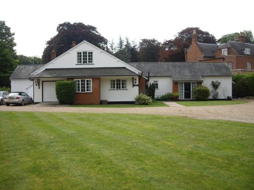 Photo of The Coach House Hotel Bed and Breakfast Accommodation in Shepreth Cambridgeshire