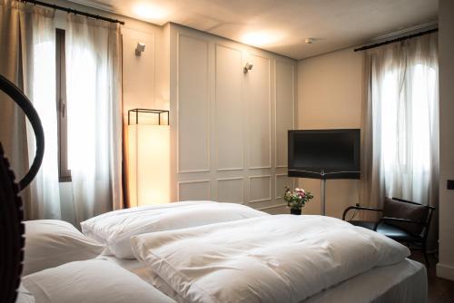 Habitación Doble Deluxe Hotel Palacio De Villapanés 6