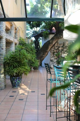 Prince Hotel, Port-au-Prince