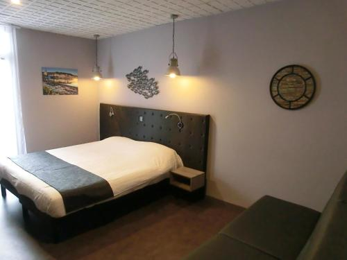 Best Price On Hotel Sur Le Quai In Portvendres Reviews - Hotel sur le quai port vendres