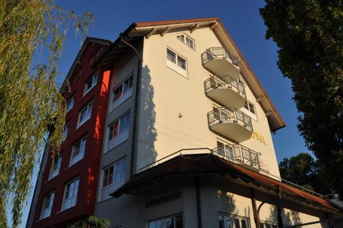 Singapore Endingen endingen am kaiserstuhl hotels germany great savings and reviews