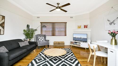 Spacious Two Bedroom Apartment in Crows Nest - HUNT1, Sydney